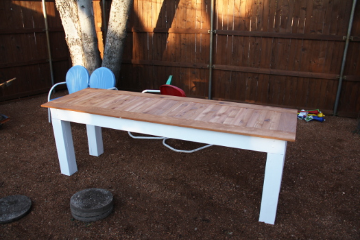DIY Outdoor Cedar Dining Table