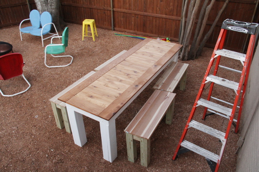 Finished DIY Cedar Table and benches