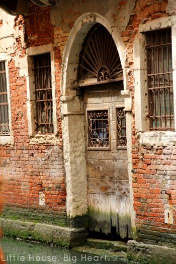 Venice Canal Walk 1